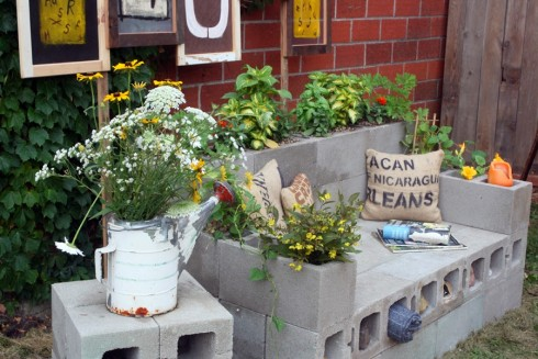 13-Garden-Ideas-with-Bricks-Design-DIY-Magazine7