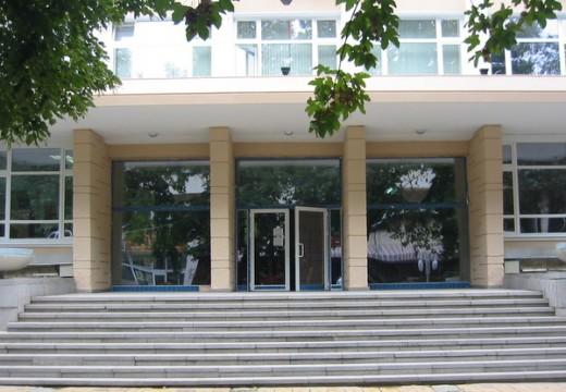 Община Добрич и общинските съветници спорят по ЗОП