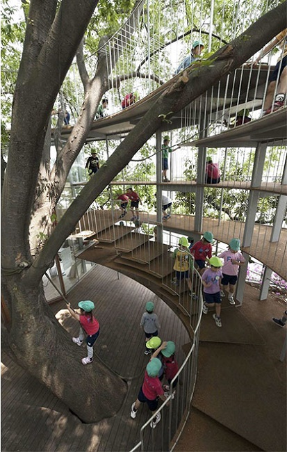 kindergarten-around-tree-zelkova-fuji-tezuka-architects-321