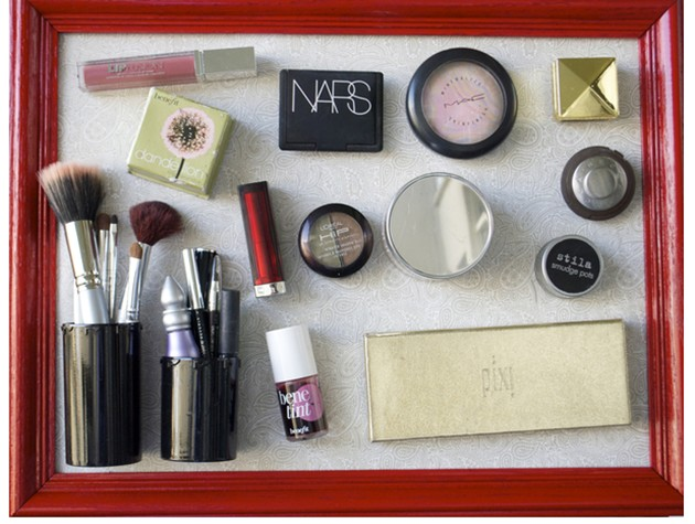fabartdiy-DIY-Magnetic-Picture-frame-Make-Up-Organizer