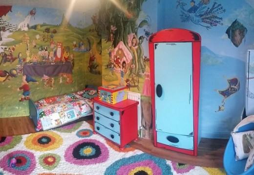Детска стая, пълна с приказки