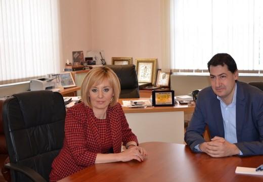 Иван Тотев се срещна с Мая Манолова
