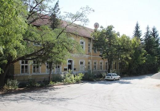 10 милиона лева за реконструкция на Старото военно училище във Велико Търново