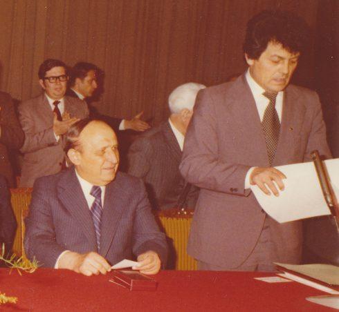 Тодор Живков (ляво) и Георги Карауланов (дясно)