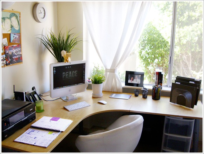 Modern-Interior-Design-and-Home-Office-Design-Corner-Desk-Pictures-01-Office-Desk-Design-Ideas