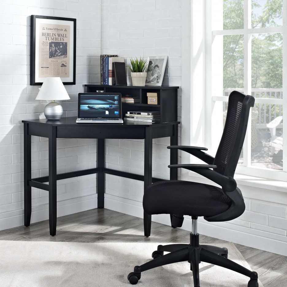 black-painted-pine-wood-corner-desk-with-small-white-shades-table-lamp-which-combined-with-black-upholstered-office-chair-936x936