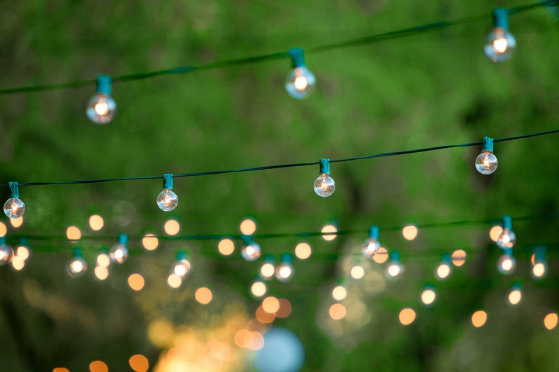 how-to-hang-outdoor-party-lights