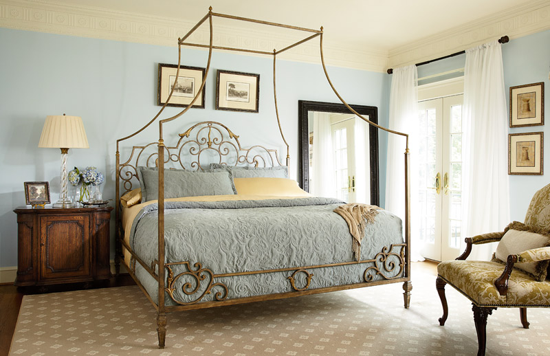 metal-canopy-king-bed-lg