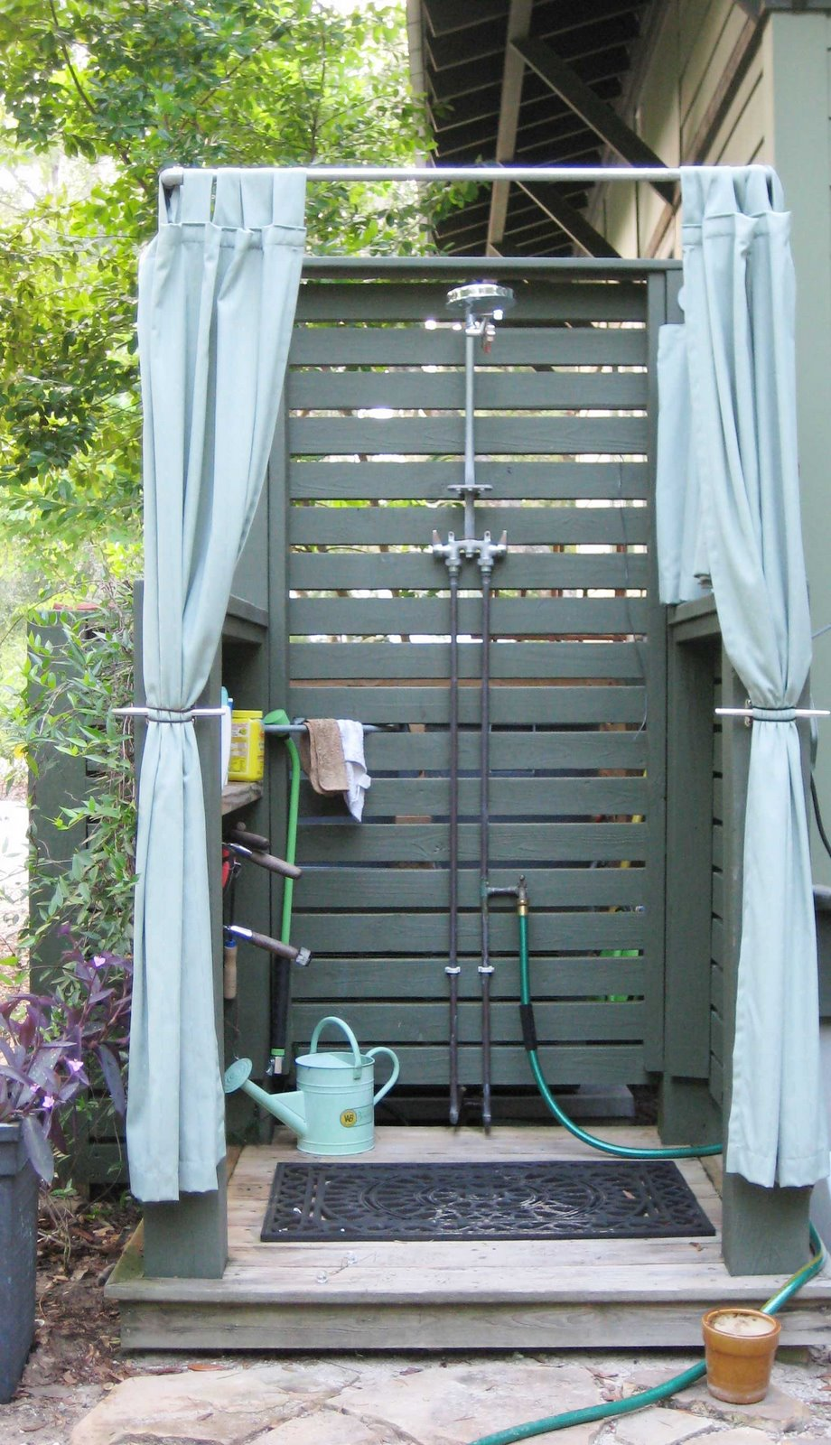 outdoor-shower-for-CB