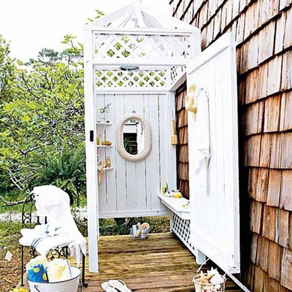 outdoor-shower-looks-shabby-and-clean