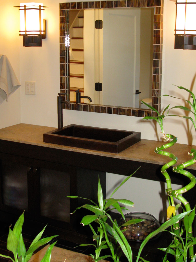 tropical-bathroom-design-bamboo-flowers