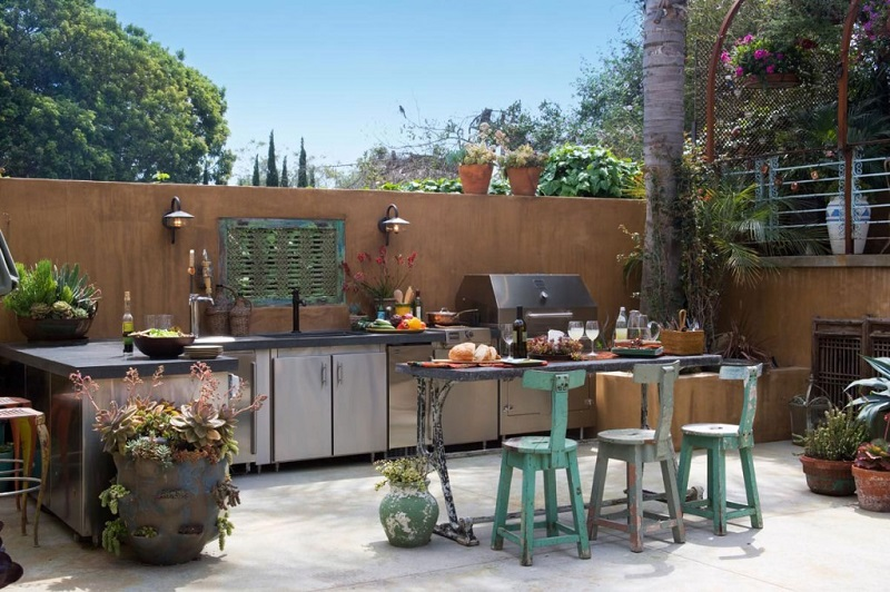 Outdoor-kitchen-cabinets-pictures