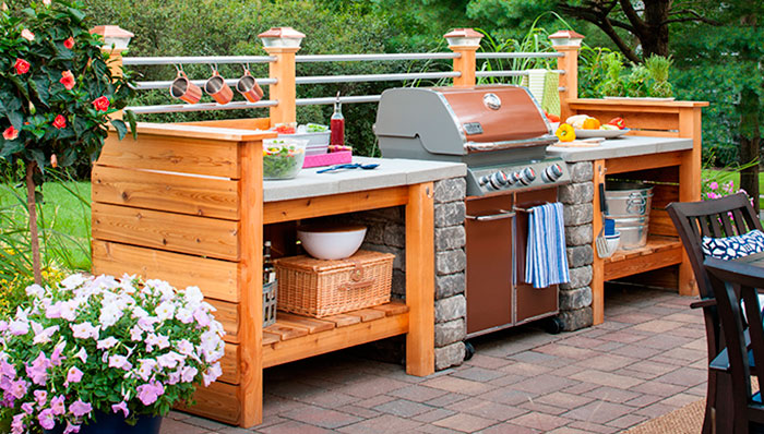 build-an-outdoor-kitchen-102611773-hero