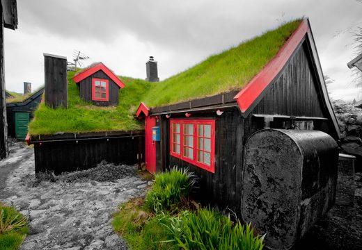 30 приказни скандинавски къщи с тревисти покриви