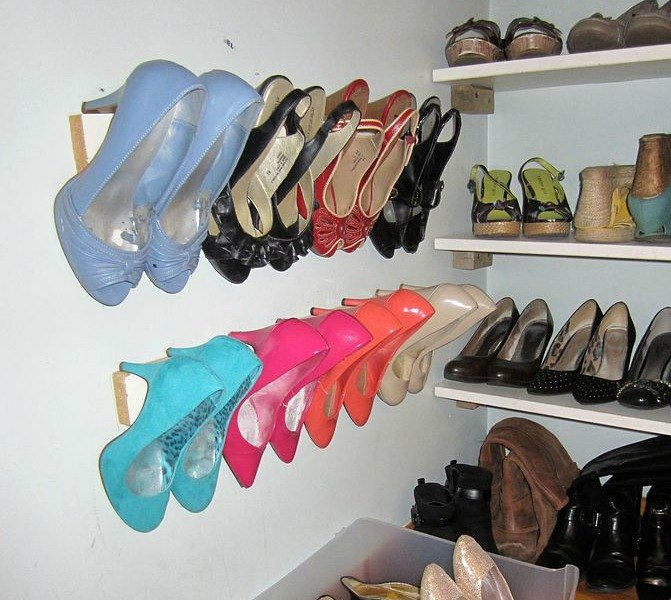 s-16-brilliant-ways-to-squeeze-much-more-into-your-closet-closet-organizing-storage-ideas (1)
