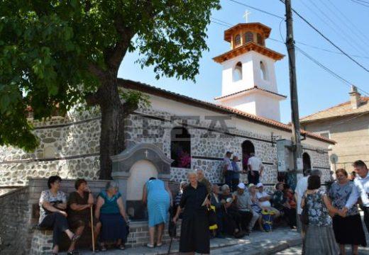 Уникална църква отваря врати в Добринище