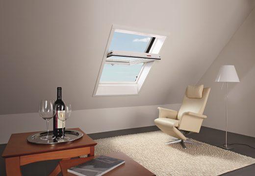 ЦУМ подменя покривните си прозорци с ROTО R4 PVC
