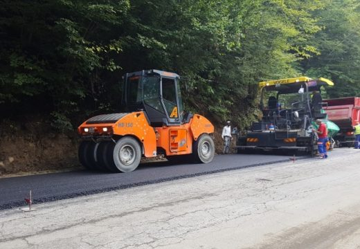 Спират ремонта на пътя към Рилския манастир заради църковни празници