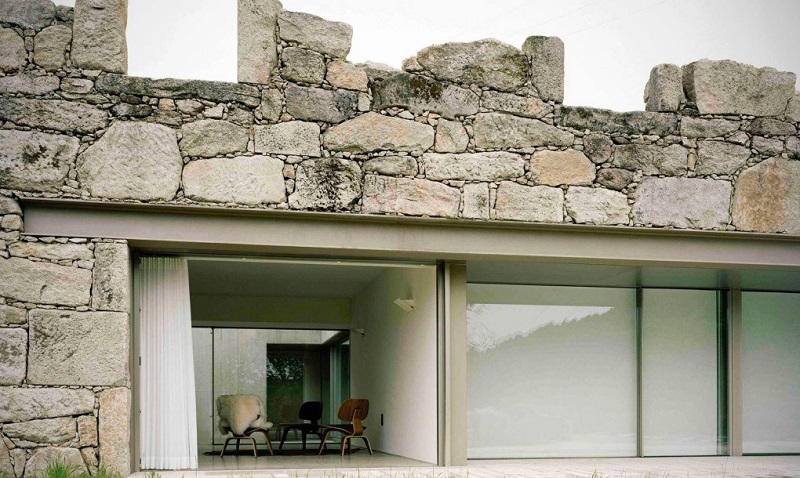 Brandao-Costa-Architects-renovated-home-Melgaco-Portugal-3-1020x610
