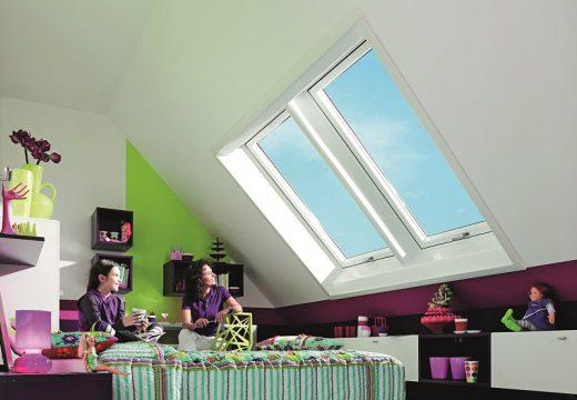 Roto Designo R8 – покривен прозорец с горна ос на отаряне