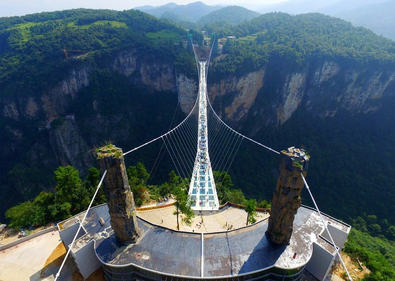 zhangjiajie-grand-canyon-glass-bridge-haim-dotan_dezeen_2364_ss_1-1024x732