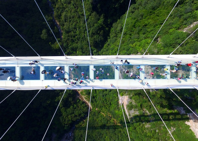 zhangjiajie-grand-canyon-glass-bridge-haim-dotan_dezeen_2364_ss_2-1024x732