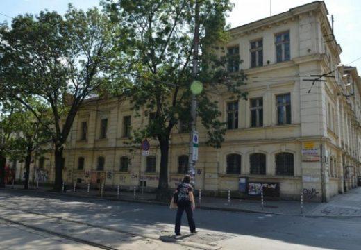 Лиляна Павлова: Сезирах Софийски градски съд за сделките за царските конюшни