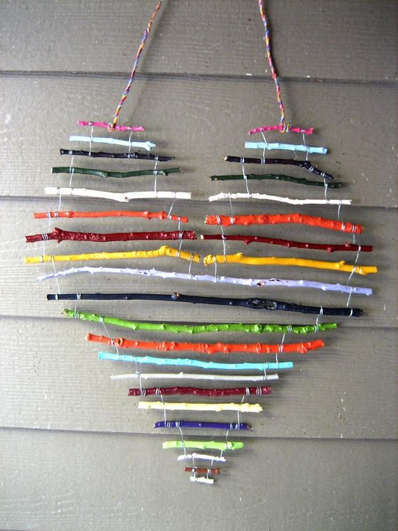 heart-shaped-branches-wall-decor