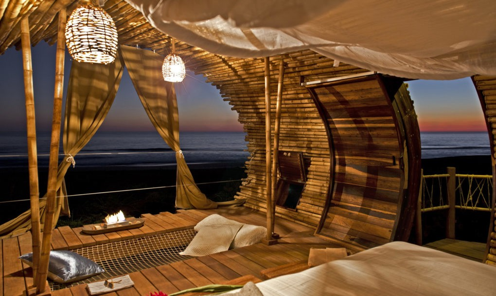 playa-viva-treehouse-interior-1020x610