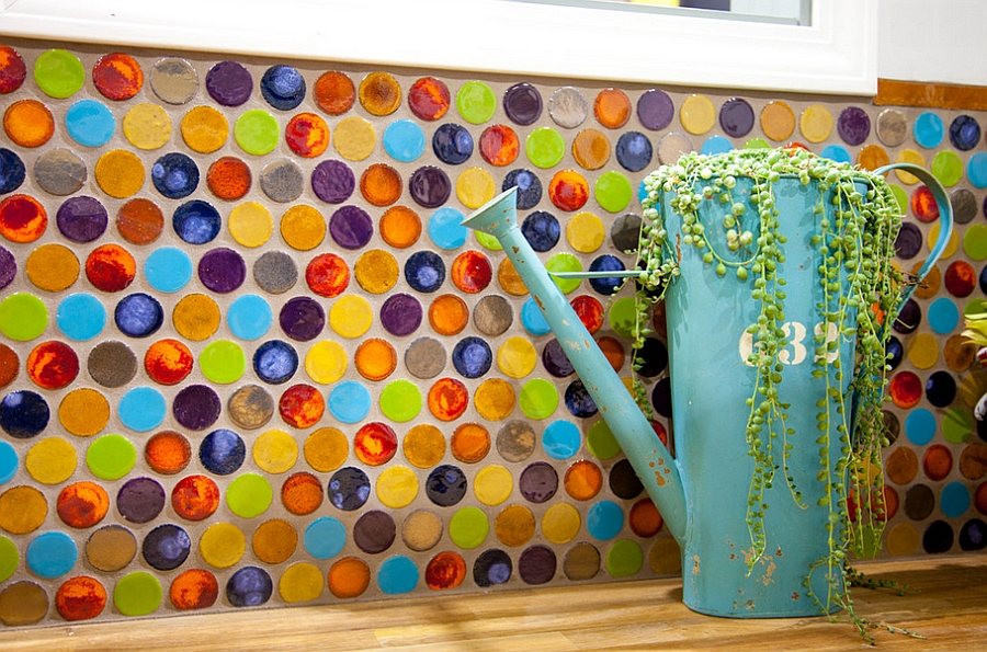 brilliant-sustainable-kitchen-backsplash-using-penny-tiles