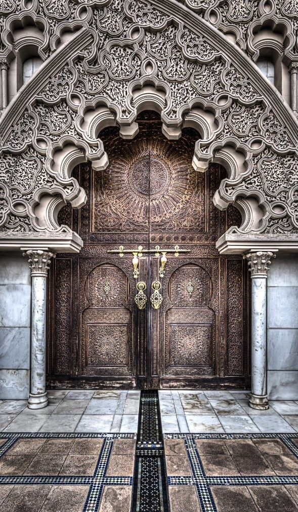 top-20-out-of-this-world-magical-door-designs-homesthetics-13
