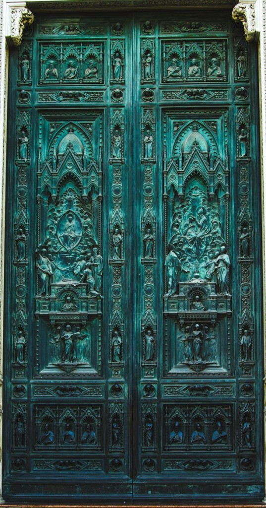 top-20-out-of-this-world-magical-door-designs-homesthetics-17-537x1024
