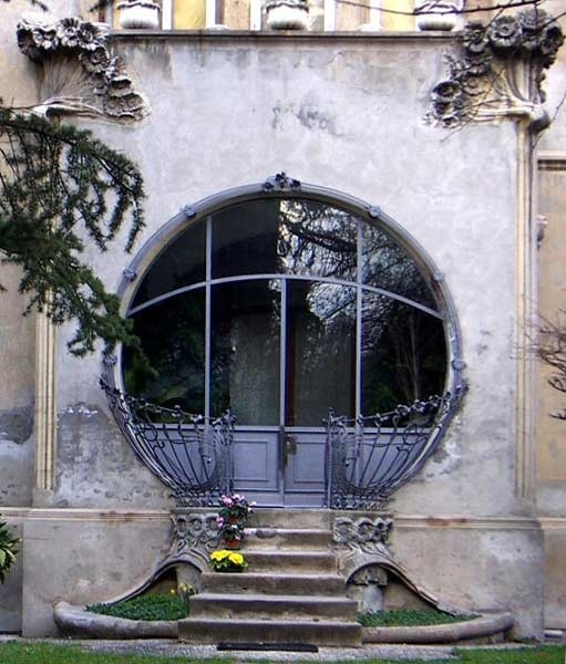 top-20-out-of-this-world-magical-door-designs-homesthetics-20