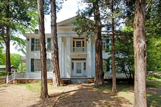 dam-images-architecture-2014-09-writers-houses-famous-writers-homes-06-william-faulkner