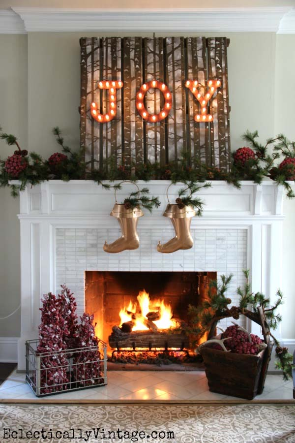 christmas-mantel-decorating-ideas-17-1-kindesign