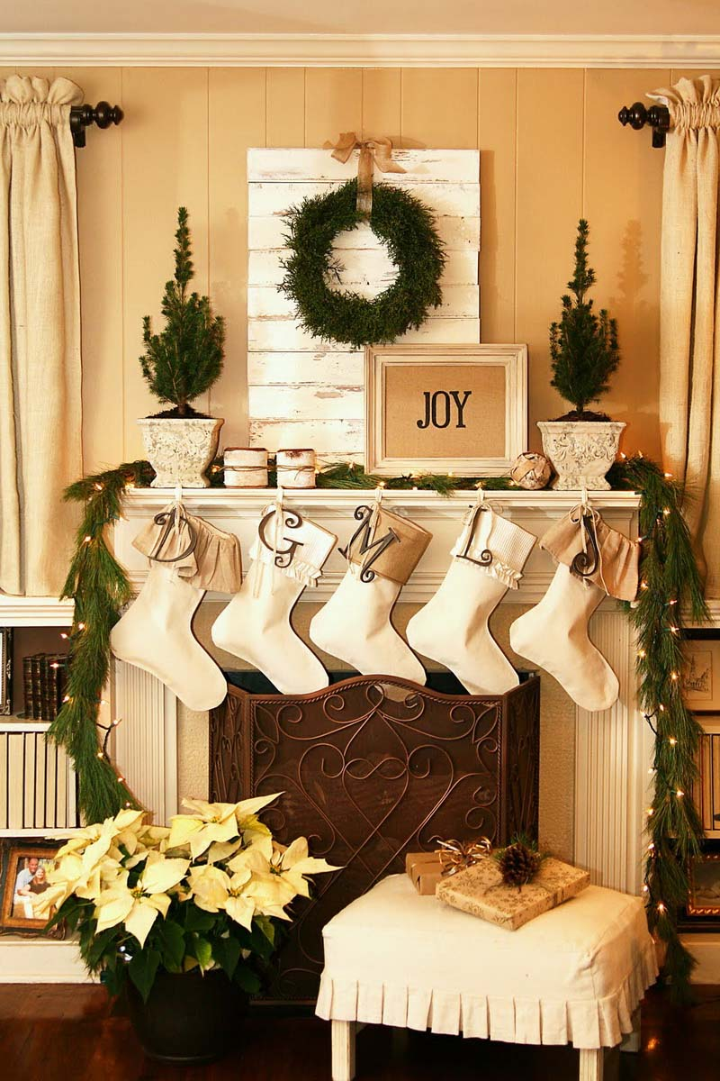 christmas-mantel-decorating-ideas-50-1-kindesign