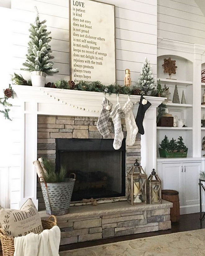 farmhouse-christmas-decorating-ideas-1