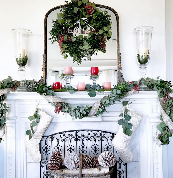 magnolia-christmas-mantel-decor