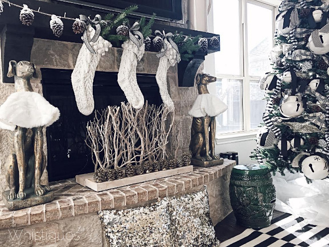 neutral-fireplace-christmas-decor