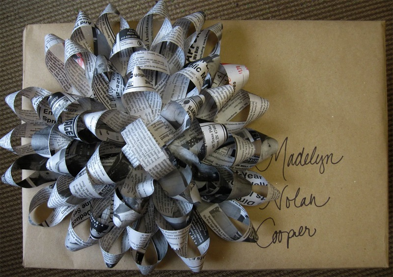 use-leftover-newspaper-craft-big-beautiful-bow