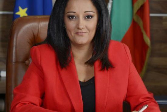 Лиляна Павлова: Валери Симеонов лъже и манипулира