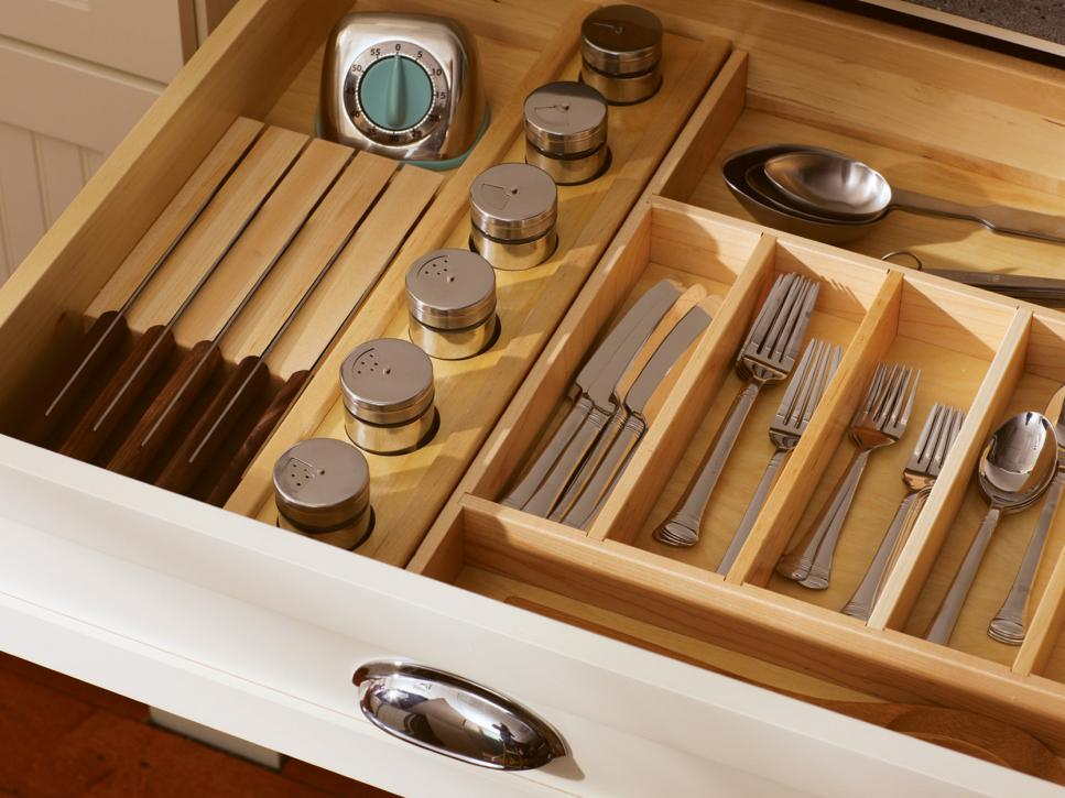 CI_Dura-Supreme-Kitchen-Silverware-Drawer_s4x3.jpg.rend.hgtvcom.966.725