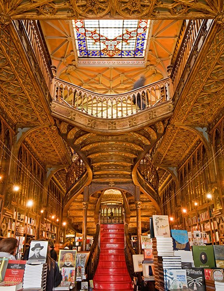 dam-images-travel-2015-bookstores-most-beautiful-bookstores-around-the-world-07