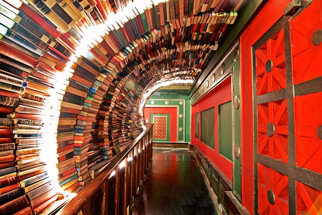 dam-images-travel-2015-bookstores-most-beautiful-bookstores-around-the-world-11