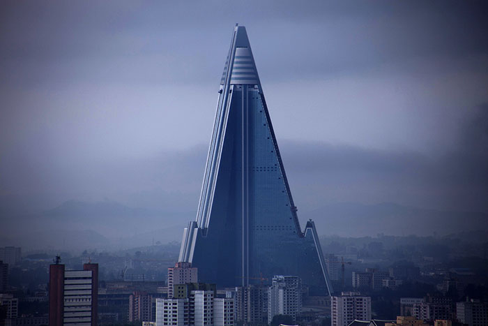 evil-buildings-111-586a127e48527__700