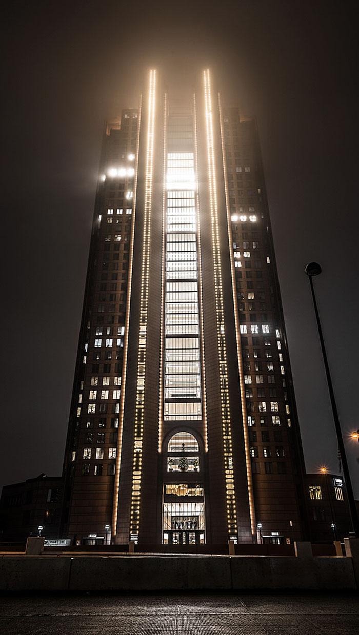 evil-buildings-115-586a21b270cc4__700