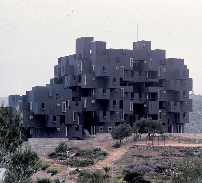 evil-buildings-57-58662dceb86d6__700