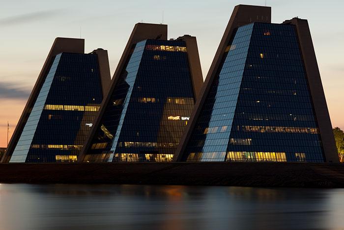 evil-buildings-64-58665c68c8767__700