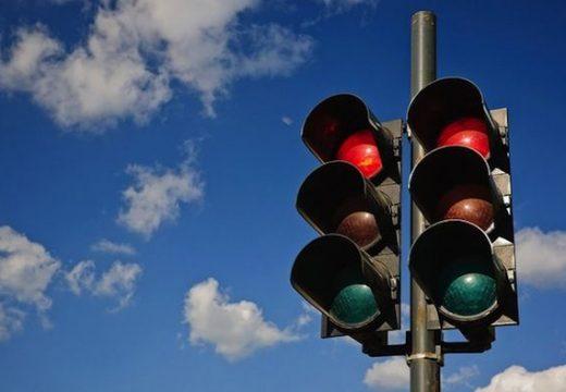 Монтират нови светофари във Варна