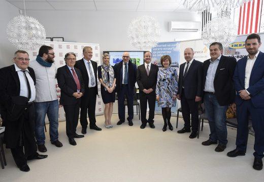 """""""Малките герои"""" преобразява детското отделение в Пирогов"""